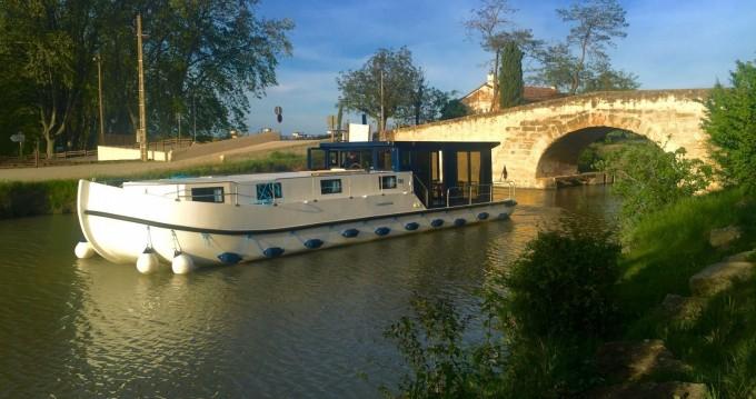 Les Canalous LaPéniche F entre particuliers et professionnel à Waltenheim-sur-Zorn