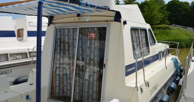 Location bateau Cahors pas cher Triton 860 Fly