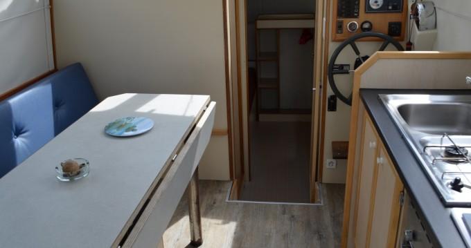 Louez un Les Canalous Triton 860 Fly à Agde