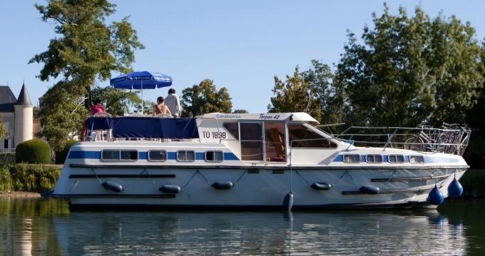 Location bateau Les Canalous Tarpon 42 à Châtillon-en-Bazois sur Samboat