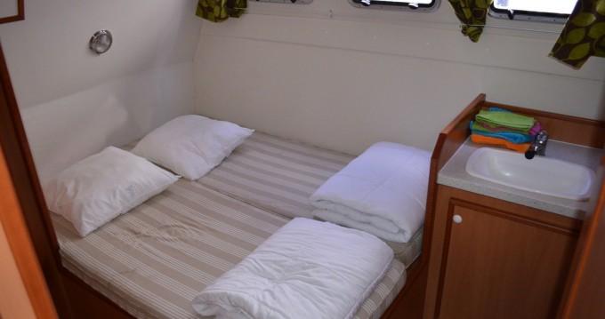 Les Canalous Tarpon 42 entre particuliers et professionnel à Agde