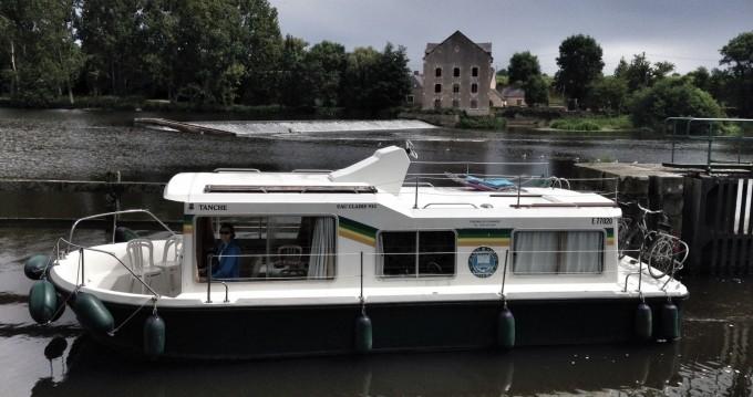 Location bateau Cognac pas cher Eau Claire 930 Fly