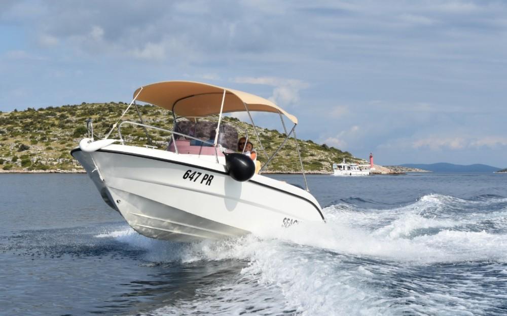 Sessa Marine Key Largo 20 Deck entre particuliers et professionnel à Ugljan
