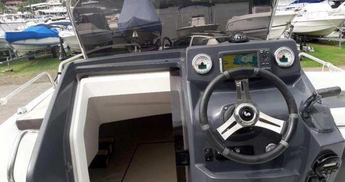 Louer Bateau à moteur avec ou sans skipper Bénéteau à Le Marin