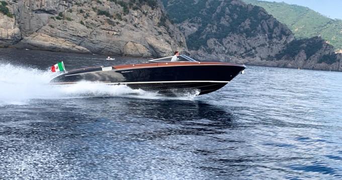Louer Bateau à moteur avec ou sans skipper Aquariva à Portofino