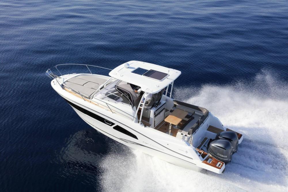 Location bateau Jeanneau CAP CAMARAT 9.0 WA NOUVEAUTE 2020 à Bastia sur Samboat