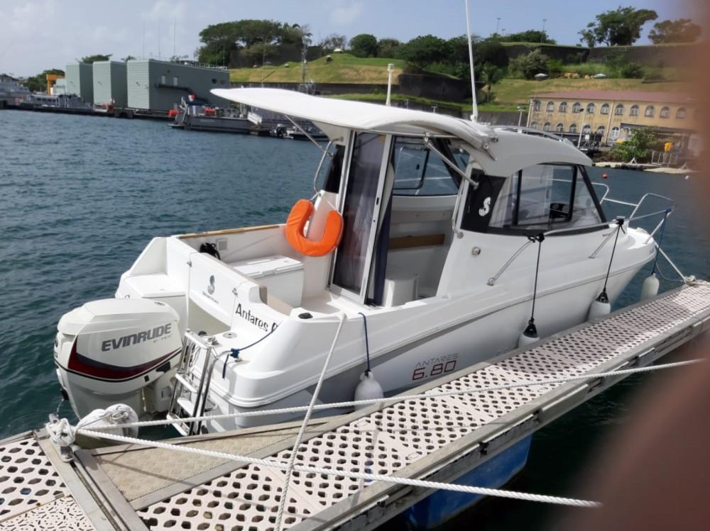 Alquiler de yate Le Lamentin - Bénéteau Antares 680 en SamBoat