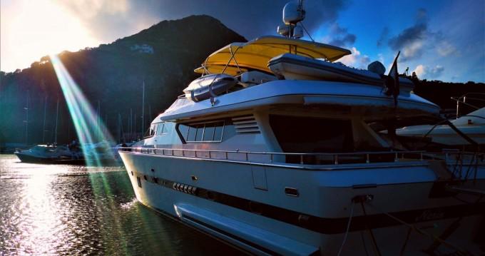 Location Yacht Italversilcraft avec permis