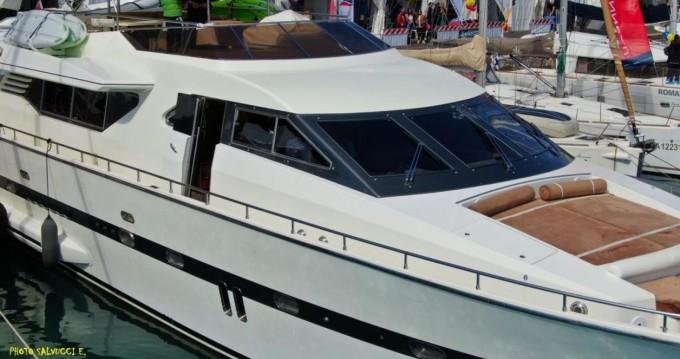 Louez un Italversilcraft Fantom 80 à Marina di Stabia