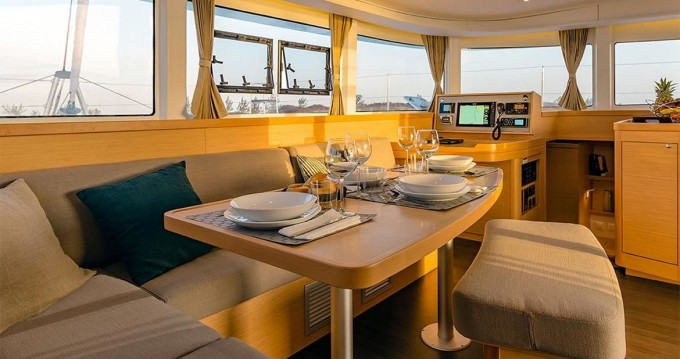 Catamaran à louer à Dračevo Selo au meilleur prix