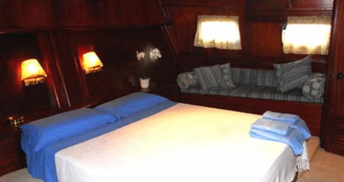 Location bateau Milazzo pas cher goletta turca