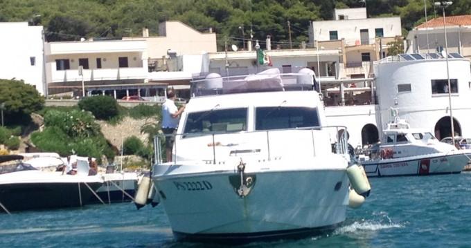 Ferretti Altura 36 Fly entre particuliers et professionnel à Gallipoli