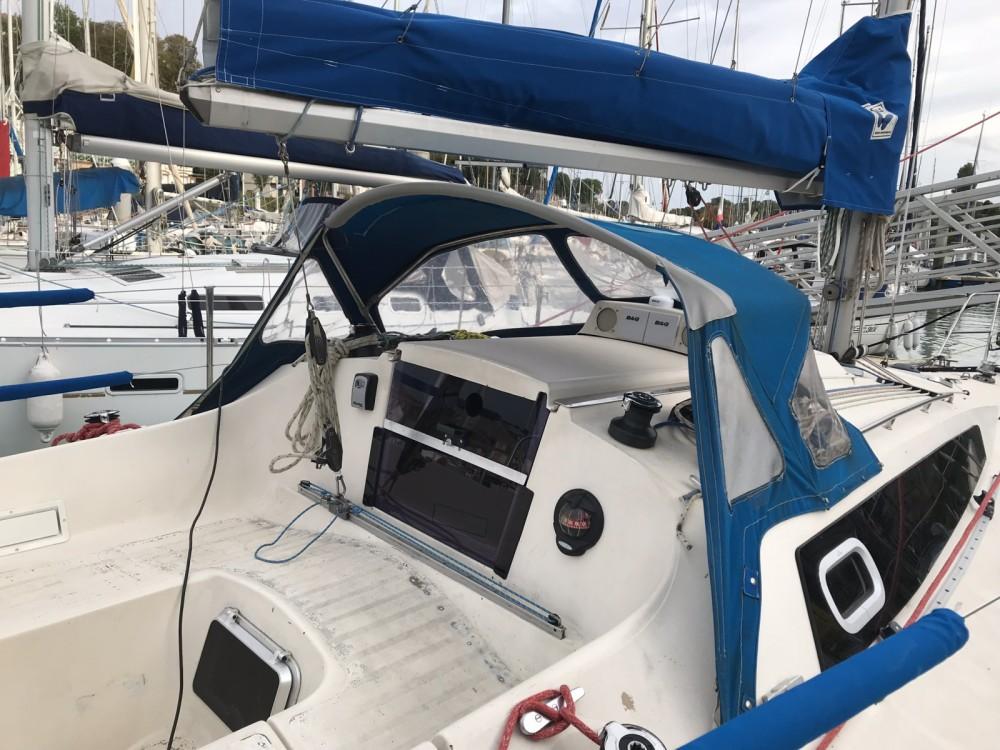 Zeilboot te huur in Saint-Valery-en-Caux voor de beste prijs