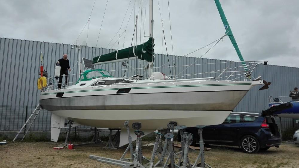 Location bateau Alubat Ovni 32 à Loctudy sur Samboat