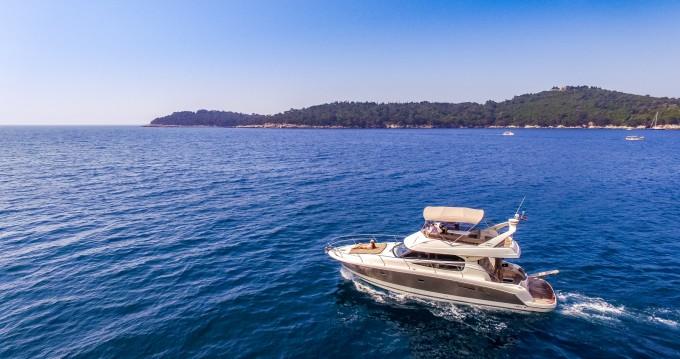 Louez un Jeanneau Prestige 440 Fly à Dubrovnik