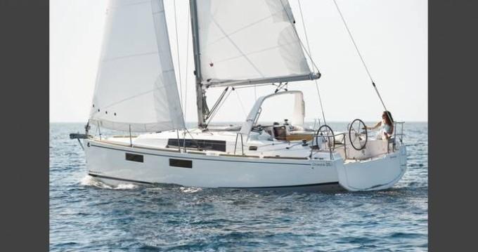 Bénéteau Oceanis 35.1 entre particuliers et professionnel à Le Marin