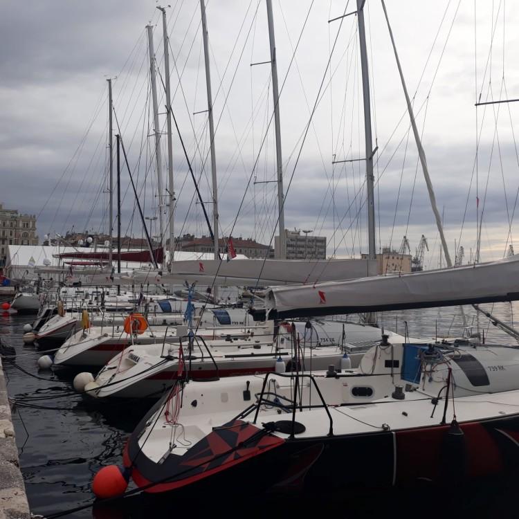 Louer Voilier avec ou sans skipper Jeanneau à Grad Rijeka