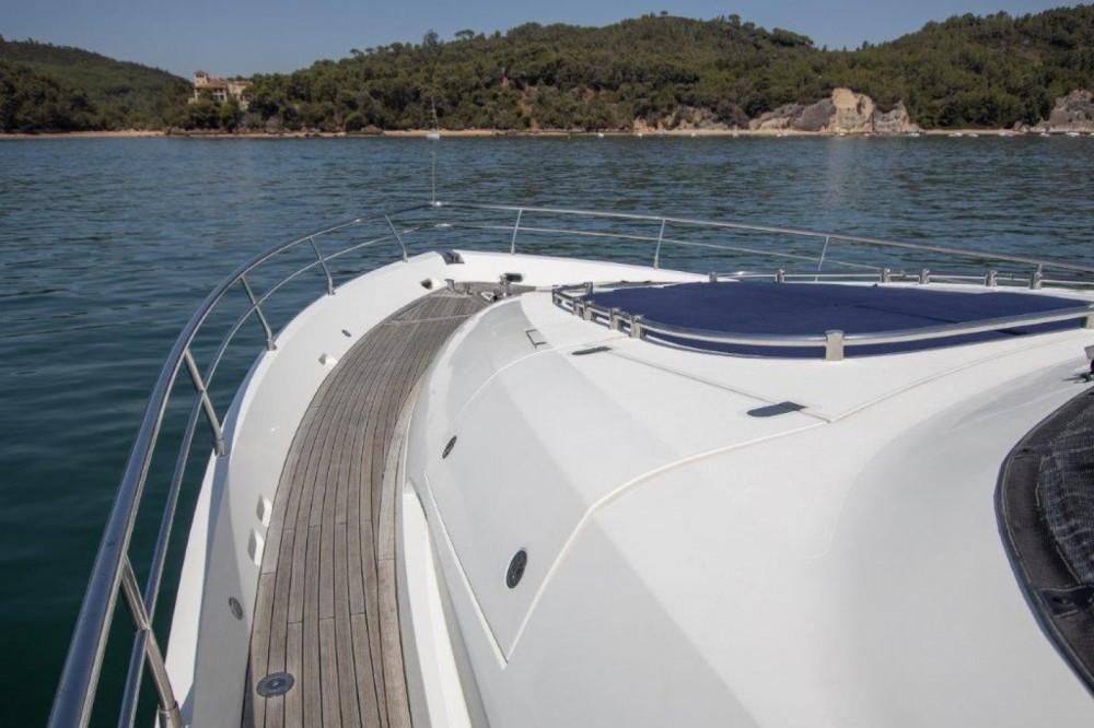 Location yacht à Setúbal - Fairline Fairline Squadron 74 sur SamBoat