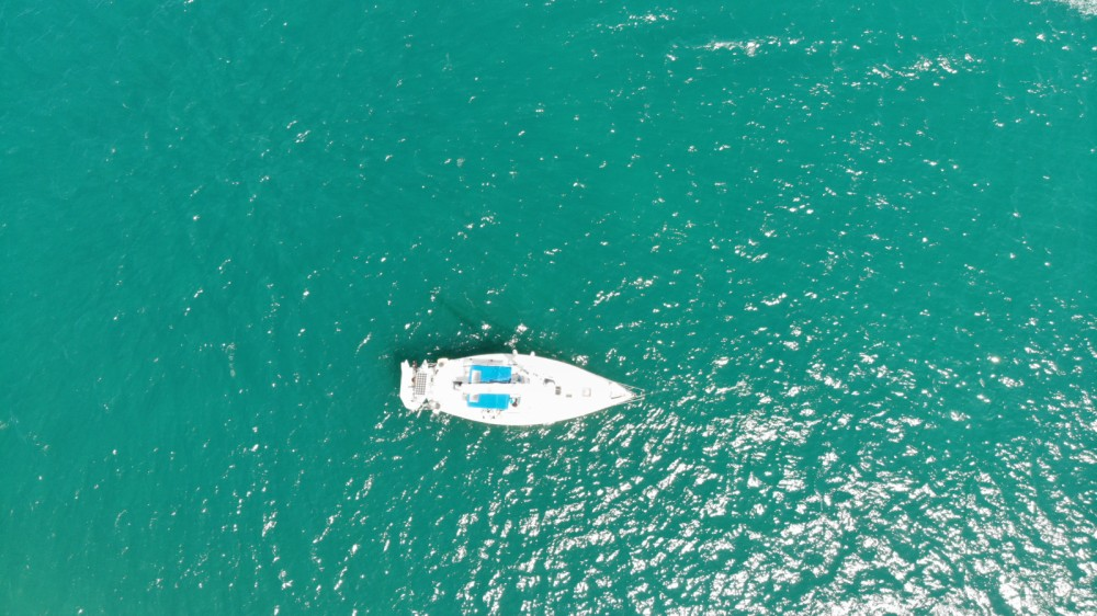 Rental Sailboat in Le Grau-du-Roi - Moody Moody 376 CC