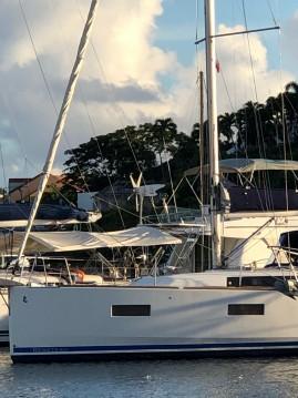 Location bateau Bénéteau Oceanis 38 Weekender à Le Marin sur Samboat