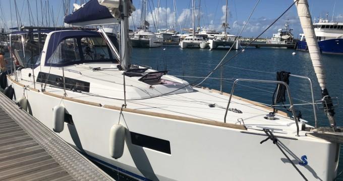 Location bateau Bénéteau Oceanis 38 Weekender à Marigot sur Samboat