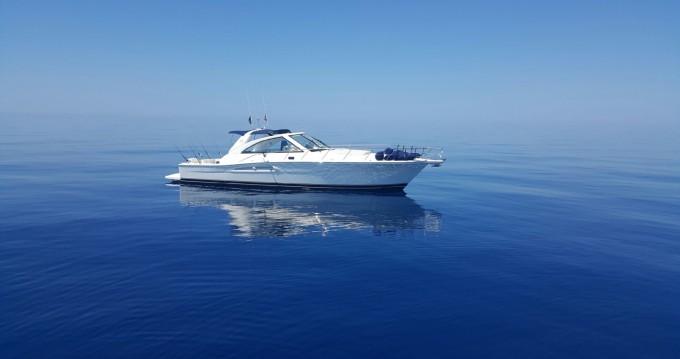 Riviera 48 express entre particuliers et professionnel à Cavalaire-sur-Mer