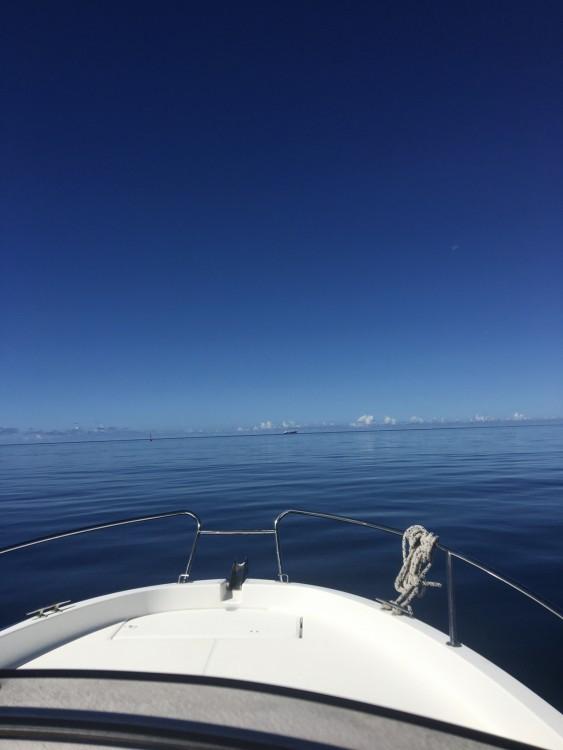 Louer Bateau à moteur avec ou sans skipper Jeanneau à Anse d'Arlet