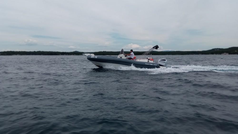 Yacht-Charter in Vrsar - Marlin Boat MARLIN 790 PRO GRAY ORANGE auf SamBoat