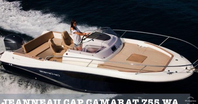 Louez un Jeanneau Cap Camarat 7.5 WA à Makarska