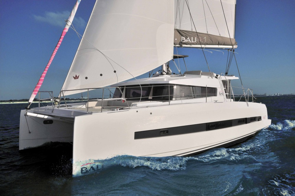 Catana Bali 4.1 - 4 + 2 cab. between personal and professional