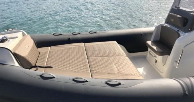 Location bateau Pietrosella pas cher 78 ebony