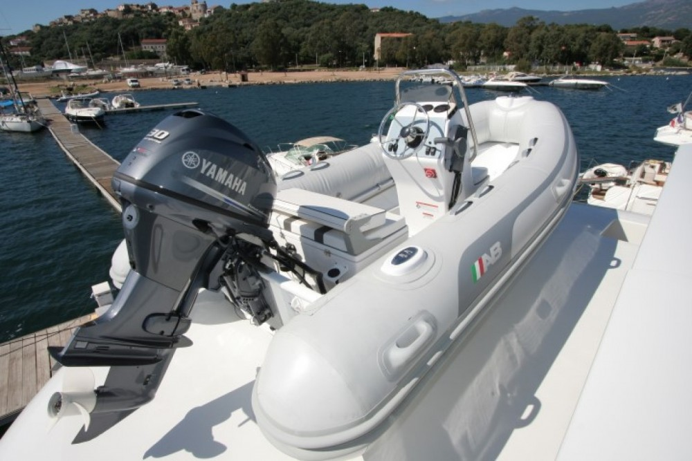 Location bateau Cannes pas cher Yacht