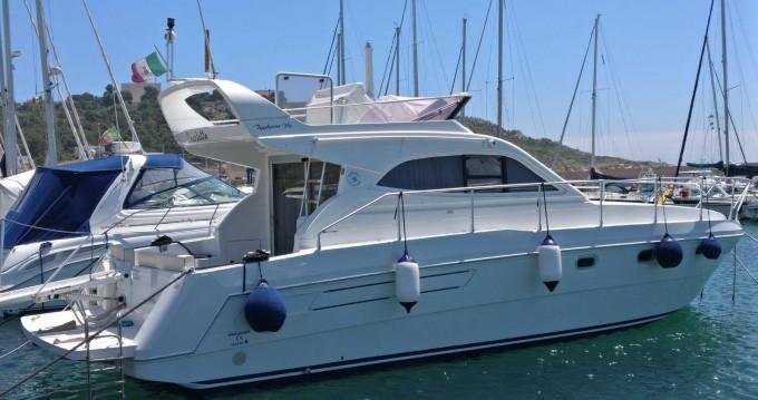 Louer Bateau à moteur avec ou sans skipper Raffaelli à Leuca