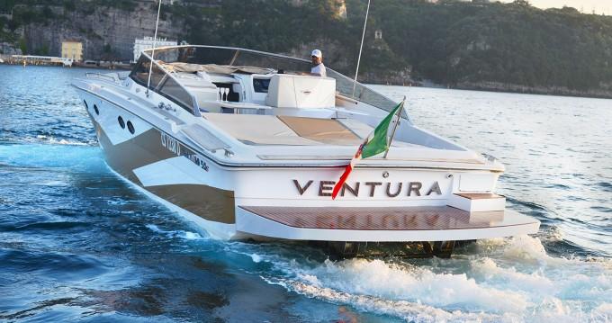 Louer Bateau à moteur avec ou sans skipper Tornado à Capri