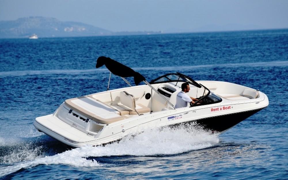 Location yacht à Grad Biograd na Moru - Bayliner VR6 sur SamBoat