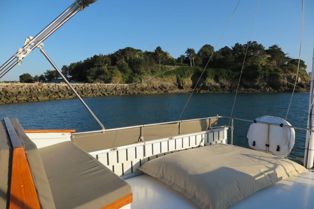 Location bateau Saint-Malo pas cher Grand Banks 42 Classic