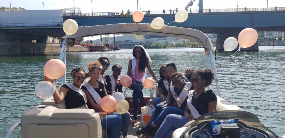 Verhuur Motorboot in Parijs - Suntracker Party Barge 24