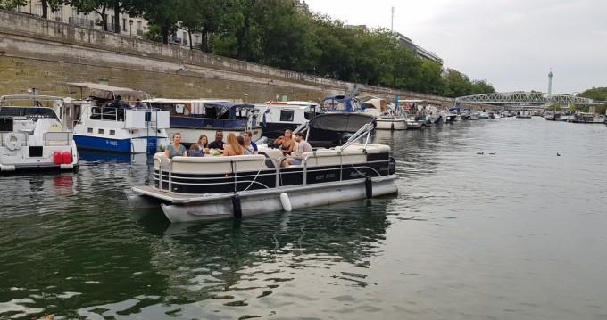 Location Bateau à moteur à Paris - Smokercraft Sunchaser