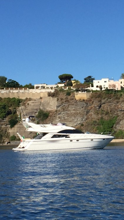 Alquiler de yate Porto di Napoli - Fairline Phantom 50 en SamBoat