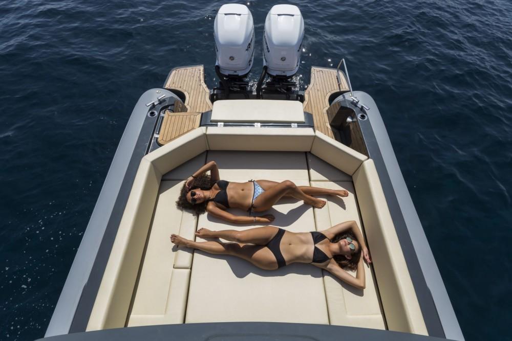 Location bateau Joker Boat Clubman 35 à Cogolin sur Samboat