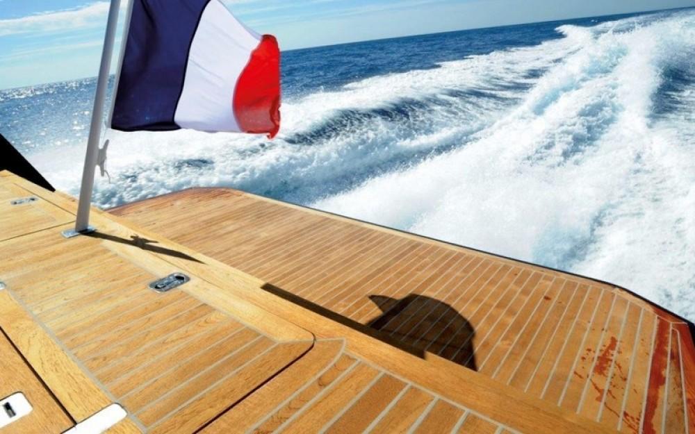 MED YACHT  MED 48 entre particuliers et professionnel à Saint-Tropez