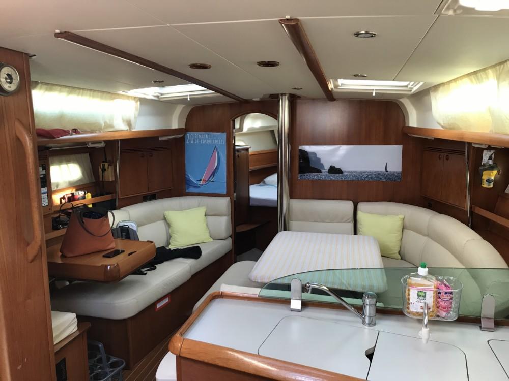 Location yacht à Saint-Mandrier-sur-Mer - Jeanneau Sun Odyssey 40.3 sur SamBoat