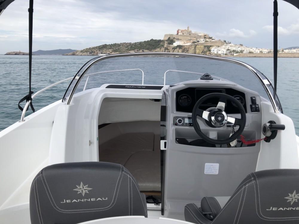 Jeanneau Cap Camarat 5.5 WA Serie 2 entre particuliers et professionnel à Ibiza