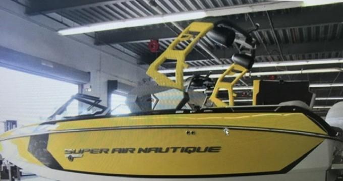 Louer Bateau à moteur avec ou sans skipper Nautique Correct Craft à Aix-les-Bains