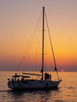 Louer Voilier avec ou sans skipper Jeanneau à Toúrlos