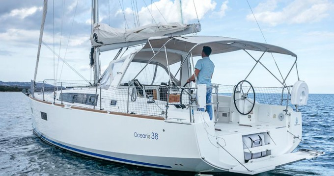 Location bateau Ayamonte pas cher Oceanis 38