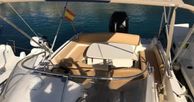 Location bateau La Rochelle pas cher Cap Camarat 715 WA