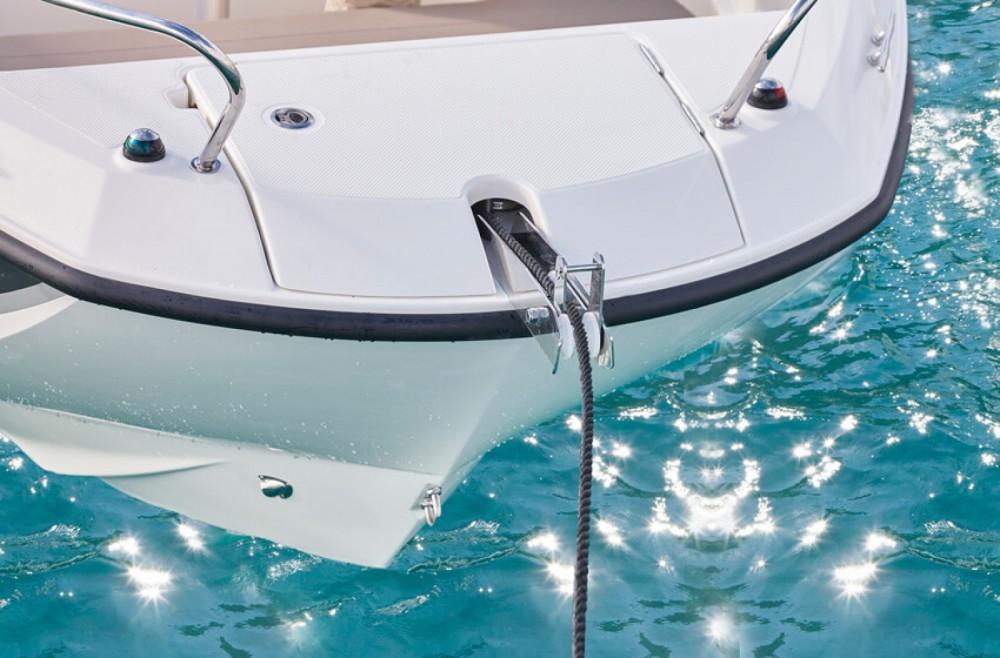 Location bateau La Rochelle pas cher Activ 605 Open