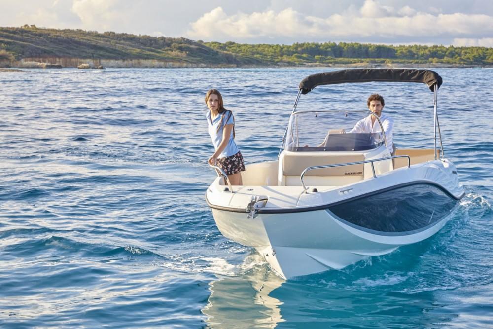 Location bateau Quicksilver Activ 605 Open à La Rochelle sur Samboat