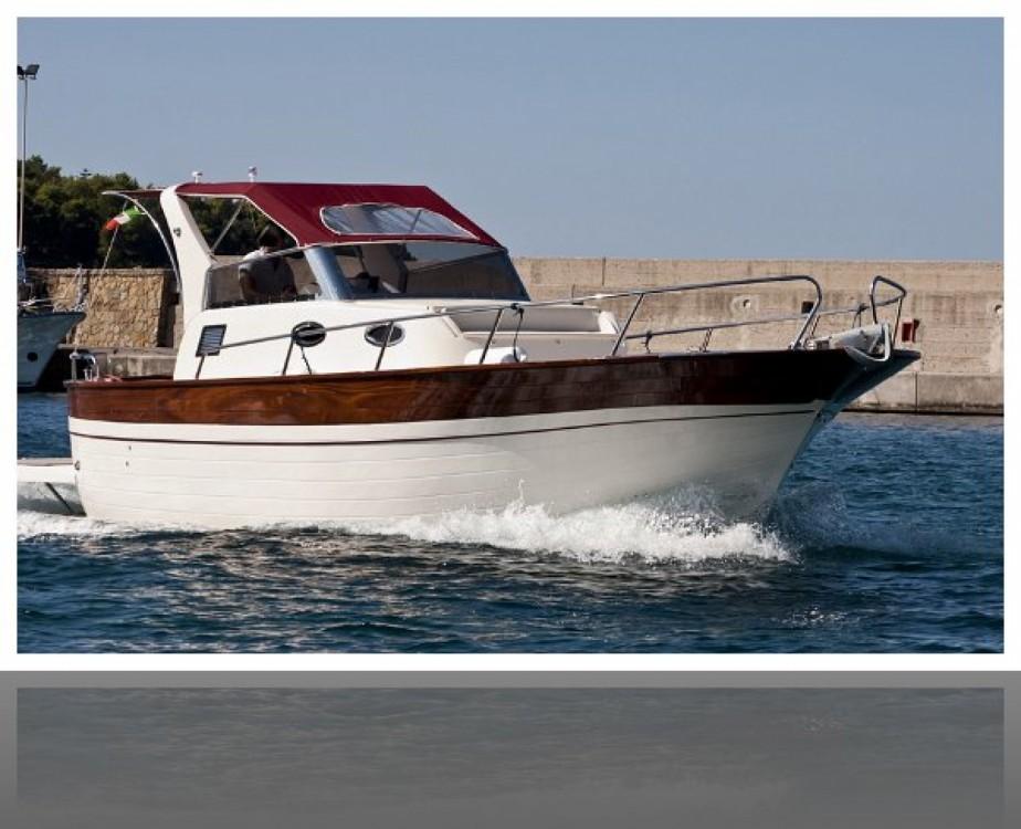 Louer Bateau à moteur avec ou sans skipper Luccia à Positano